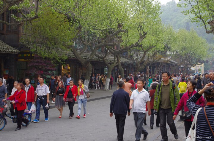 Dujiangyan main street crowded with tourists