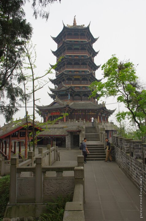 Dujiangyan temple at the top of the hill