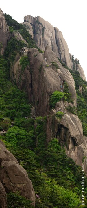Huangshan - stairs and tourists