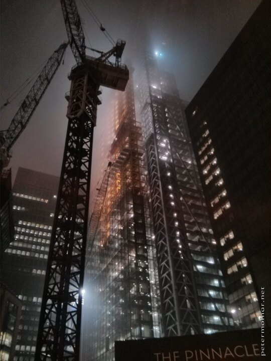 london-at-night-the-cheesegrater-under-construction