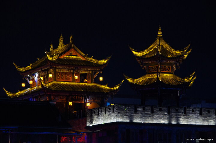 dujiangyan-at-night-5