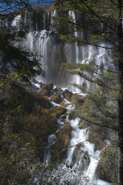 sichuan-waterfalls-nuorilang-waterfall-2