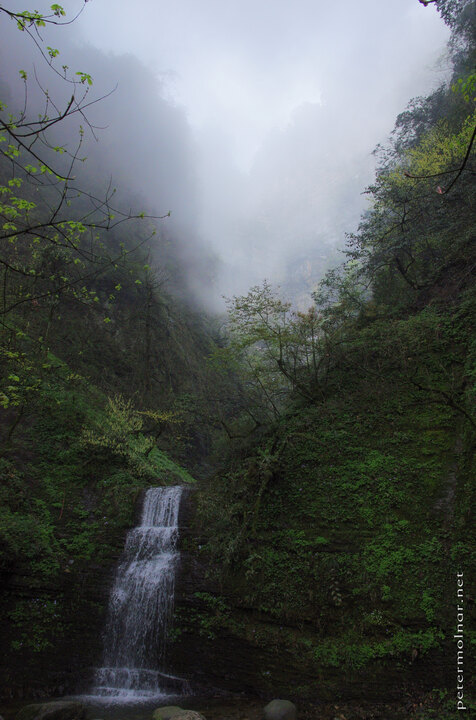 waterfall-at-emei-mountain